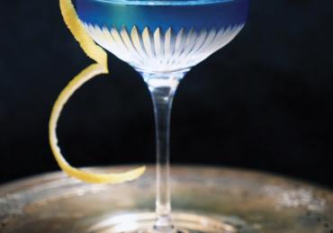 11 Essential Cocktails for Your April Parties