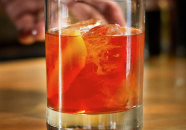 The Dos and Don'ts of Making an Old Fashioned