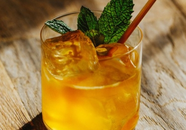 8 Essential Cocktails You Have Tired In April